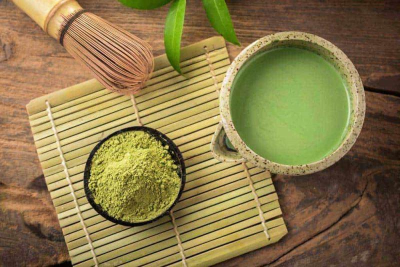 Uống trà xanh matcha vào buổi sáng rất tốt cho cơ thể.