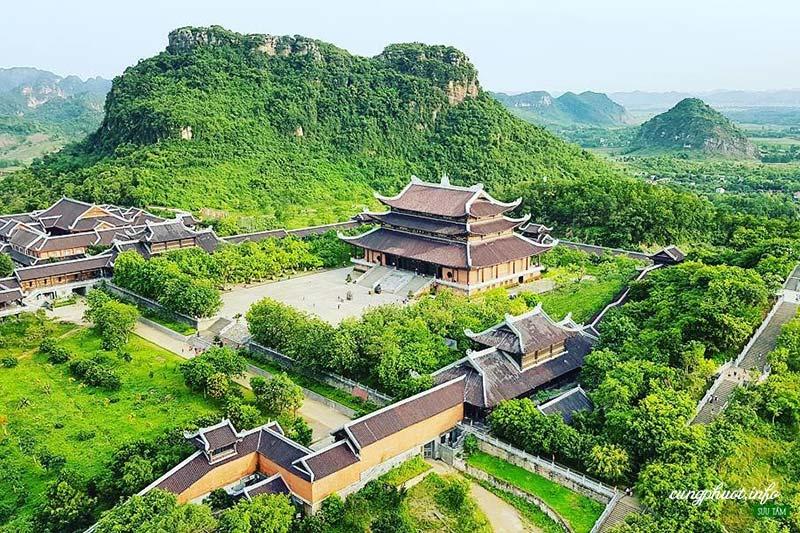 Ngôi chùa linh thiêng cho người hành hương đầu năm