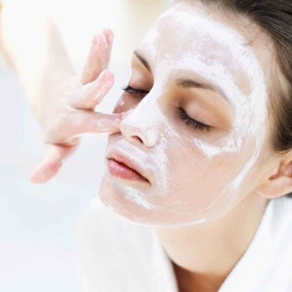 Sử dụng mặt nạ bột đúng cách để có làn da mịn màng