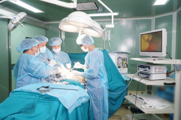 Công nghệ nâng ngực nội soi được hỗ trợ bởi các máy móc hiện đại